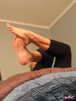 upclose soles and toe spread